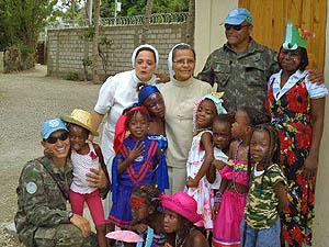 Irmã Maria Eugênia está em missão no Haiti