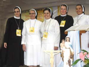Irmãs Apóstolas participam de Simpósio Vocacional