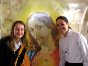 Irmãs Apóstolas e formandas participam de Mostra Vocacional