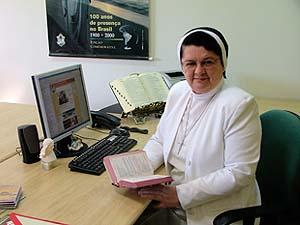 Irmã Zuleides Andrade é entrevistada pela Revista Rainha dos Apóstolos