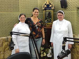 Irmãs Apóstolas participam de Semana Vocacional na Rádio Aparecida