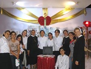 Irmãs Apóstolas e formandas participam do Hallel Maringá 2012