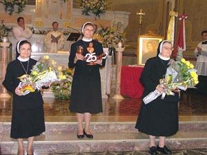 Irmãs Apóstolas celebram Jubileus de Prata e de Ouro
