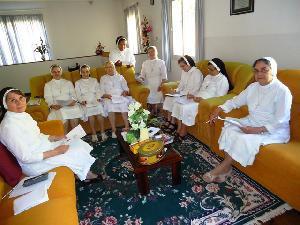 Apostolas reúnem-se em Brusque para confraternização e estudo.