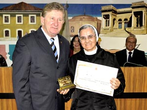 Câmara de Curitiba entrega prêmios de Saúde e João Paulo II